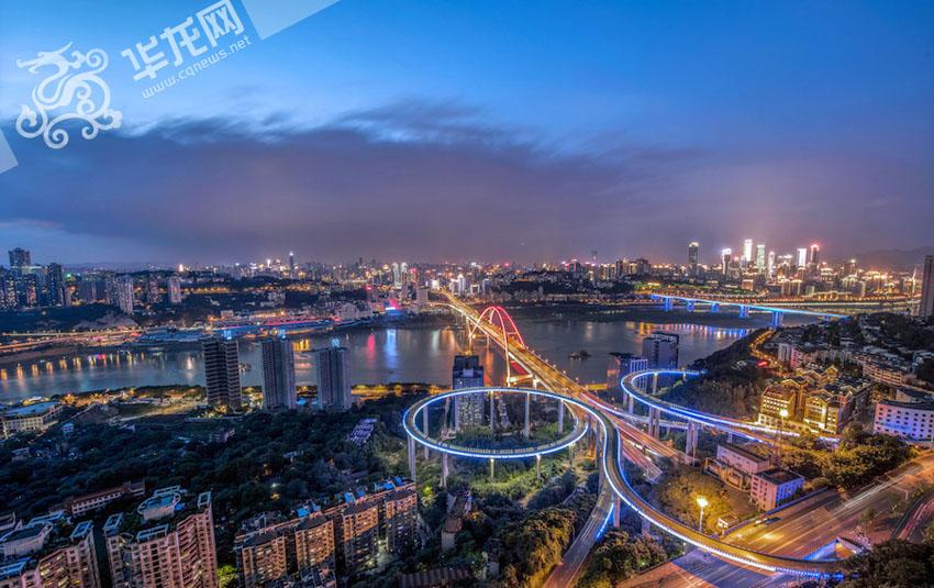 研究生拍重庆夜景刷爆朋友圈 网友 每一张都是壁纸图片