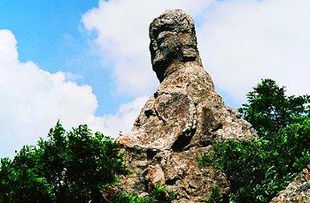 荆涂山风景区是省级风景名胜区,坐落于怀远县境内,风景区因大禹