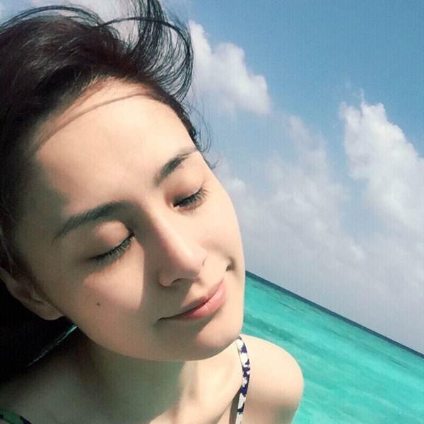 刘亦菲素颜吃火锅似少女 细数娱乐圈素颜最美女星