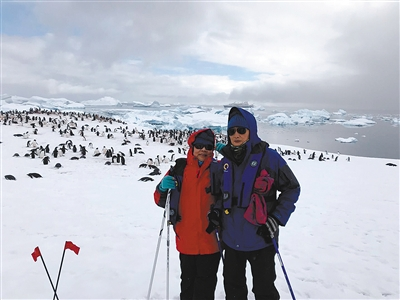 重庆七旬老人南极旅游 手绘地图成拍卖品