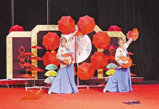 重庆原创魔术《伞丛扇影》7月角逐国际魔术大赛