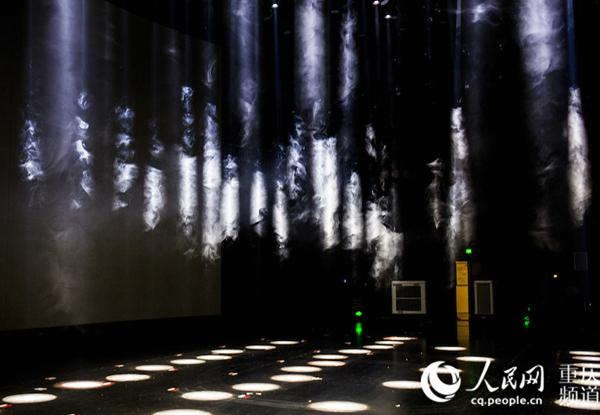重庆频道 头图      国际马戏城的演出厅舞台以镜框式加马圈舞台组成图片