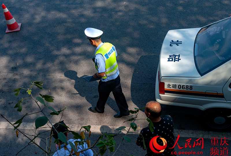 北碚:高温下的交巡警