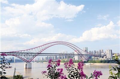 朝天门长江大桥,轨道交通环线将从桥腹过江. 通讯员 蔡如锦 摄-轨道图片
