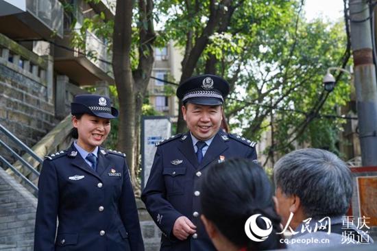 平凡中的不平凡 重庆民警高万禄25年坚守社区