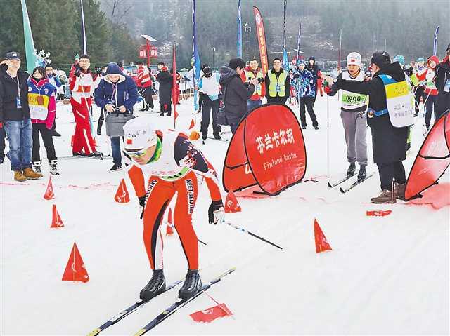 天下大众越野滑雪应战赛石柱开赛