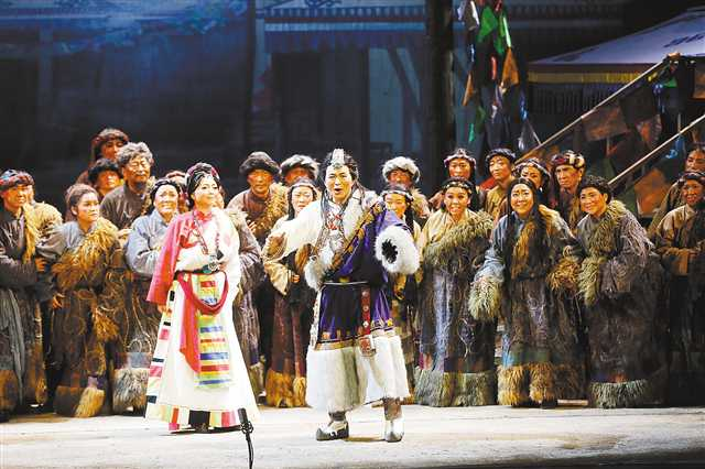重庆原创民族歌剧《尘埃落定》在京受热捧