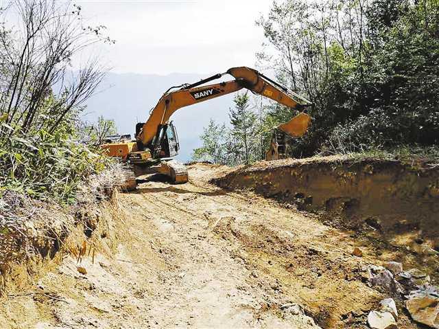 金岩村产业扶贫路就快建成了