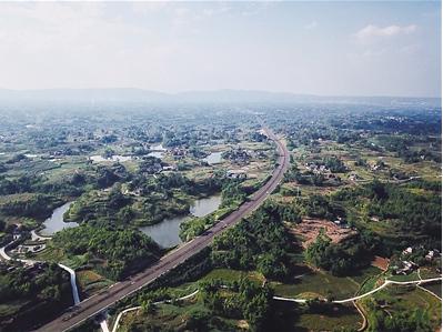 潼荣高速今年底通车沿线打造多彩视觉景观