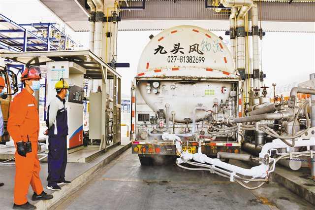 助力湖北复工复产 重庆紧急为湖北提供LNG